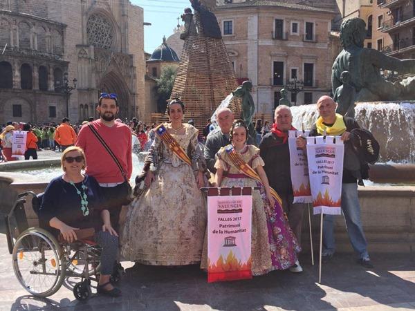 Falleros de Paterna en el evento