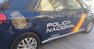 La Policía Nacional desmantela en Manises una plantación de marihuana en una casa okupada y detiene a dos personas