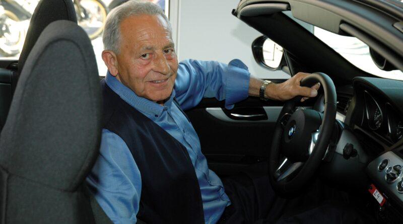 El paternero Manuel Bertolín, propietario fundador de los concesionarios BMW Bertolín recibirá este año, en la V edición de los Premios Paterna Ciudad de Empresas, el Premio Especial del Jurado en reconocimiento a su especial vinculación con Paterna y su dilatada trayectoria empresarial.