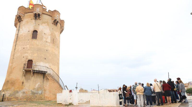 El Ayuntamiento de Paterna ha anunciado la suspensión de las rutas turísticas guiadas debido a la actual situación derivada de la pandemia de la COVID-19, y cambiará la presencialidad por tours online.