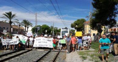 Compromís felicita las asociaciones vecinales por su tenacidad para conseguir mejoras para el metro en Paterna